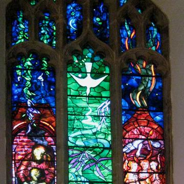 Benjamin_Britten_memorial_window_..._-_geograph.org.uk_-_1131630.jpg