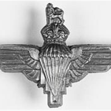 Parachute_Regiment_cap_badge.jpg
